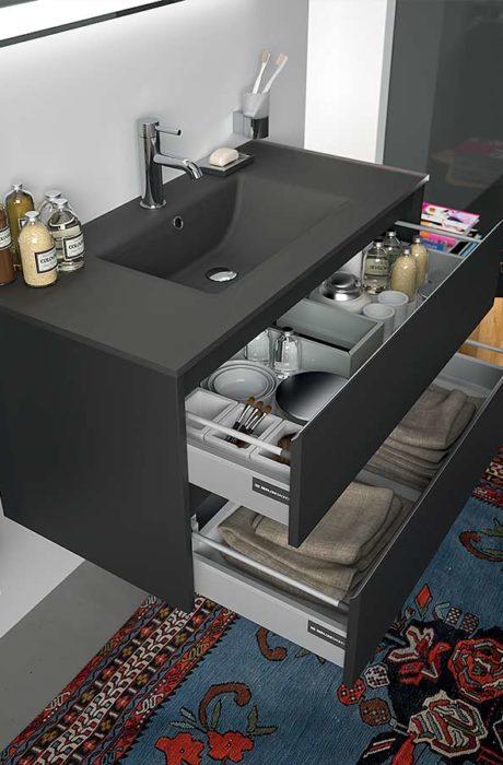 Berloni bagno collection form 10 cassetti aperti mavic for Negozi di arredo bagno a siracusa